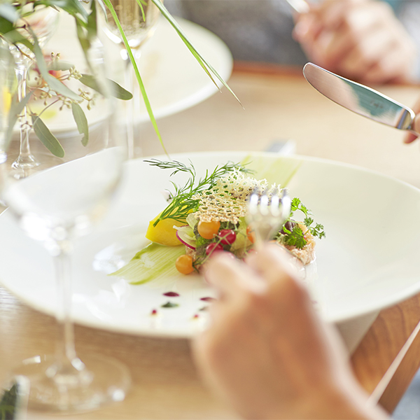 【イル・ド・レ レストラン】<br/> 少人数様向け  挙式×10名様<br/> パーティープラン おすすめポイント