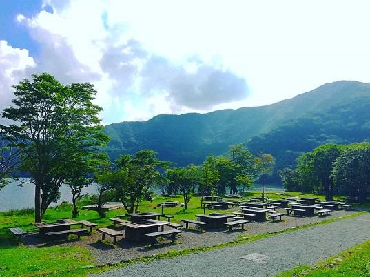 芦ノ湖と箱根の大自然!! 最高のロケーションで叶える アウトドアウェディング 澄んだ空気とさわやかな風に包まれて 特別な一日を